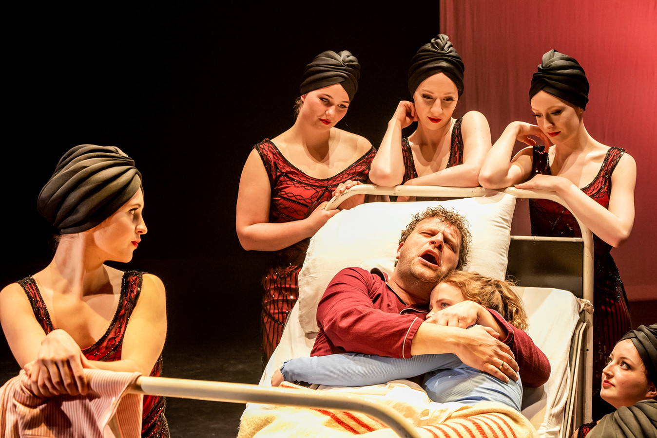Het theaterstuk over het Apeldoornsche Bosch gaat op 10 juli alsnog in première. Regisseur Jori Hermsen heeft het jaar uitstel benut door het verhaal 'toegankelijker te maken voor jongeren'.
