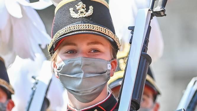 La princesse Elisabeth prend part au défilé militaire placé sous le signe de la sobriété