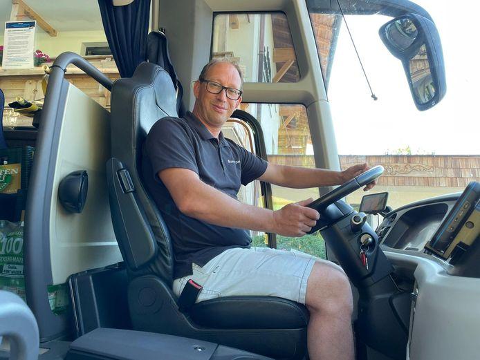 Martijn Hafkamp uit Losser, op de bus in Oostenrijk.