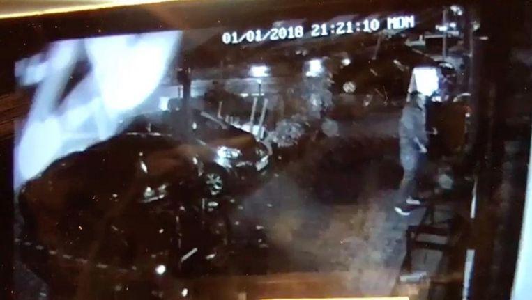De schennispleger op camerabeelden van het restaurant. Beeld Boi Boi