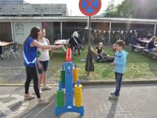 Studenten Home Boudewijn verbroederen met buren op Vosrock