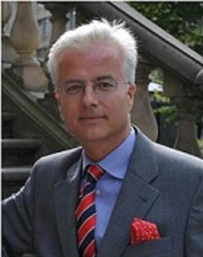 Fritz von Weizsäcker moest volgens de verdachte dood om het arbeidsverleden van zijn vader.