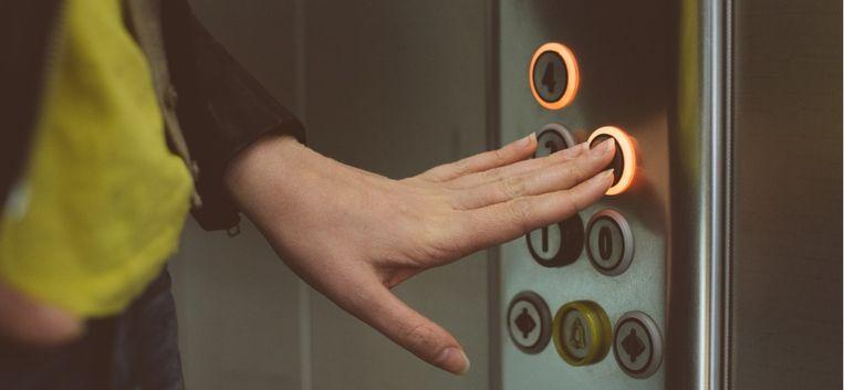 """Dagboek van een scheiding – Deel 25: """"Plotseling stapt hij naast me de lift in"""""""