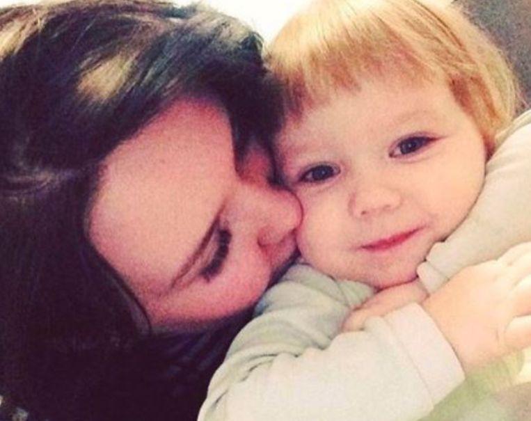 De moeder en haar dochtertje Kristina.