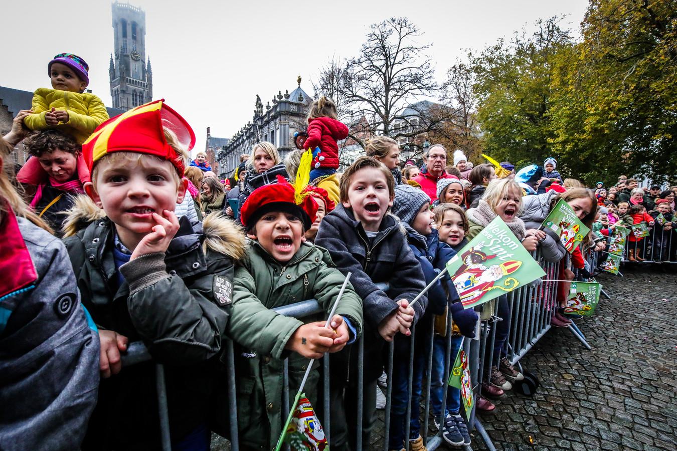 De Sint komt sowieso naar Brugge, maar de kinderen zullen de goedheiligman niet op de Burg kunnen toejuichen.