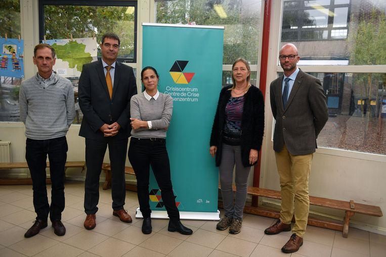 In het kader van de campagne Risico-Info lanceert het Nationaal Crisiscentrum BE-Ready een educatief project voor de leerlingen van het basisonderwijs.vlnr Geert Corbeels, Bart Raeymaekers, Lalynn Wadera, Hilde Pierco en Erik Engels
