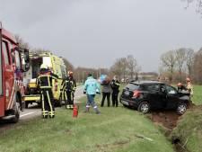 Automobiliste raakt gewond bij eenzijdig ongeval in Rossum