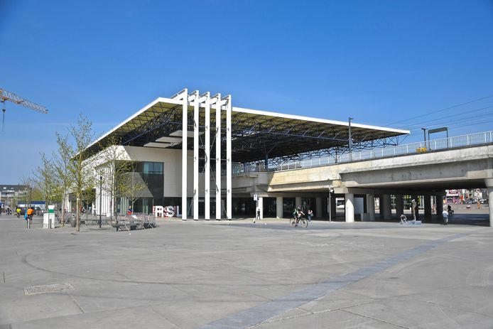 De dodelijke aanrijding gebeurde in het station van Roeselare.