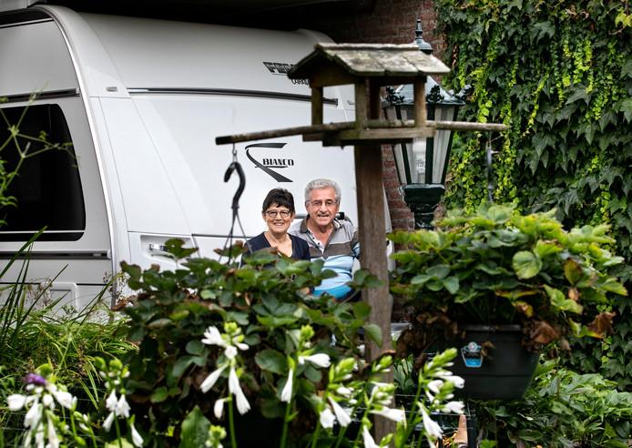 Het Reuselse paar Jos en Riek Graat genoten van hun Balkanreis.