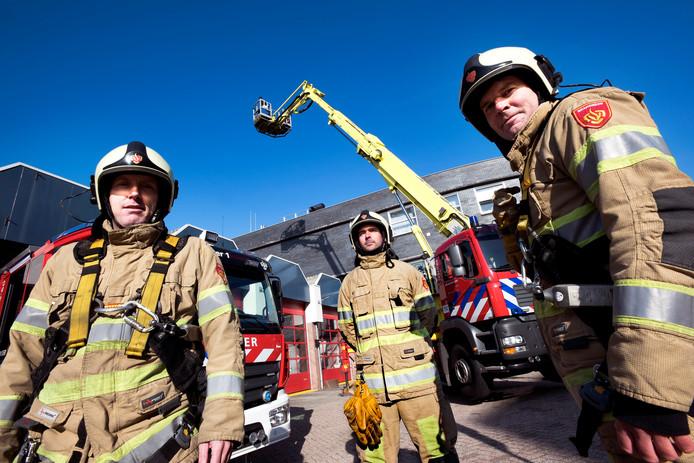 Brandweerlieden in Vianen zijn niet blij met het mogelijk verdwijnen van hun hoogwerker.