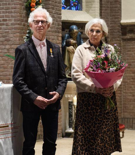 Lintje voor Josef Kolmschot uit Saasveld: 'Eerst de bruid knippen, dan hup, door naar de kerk'