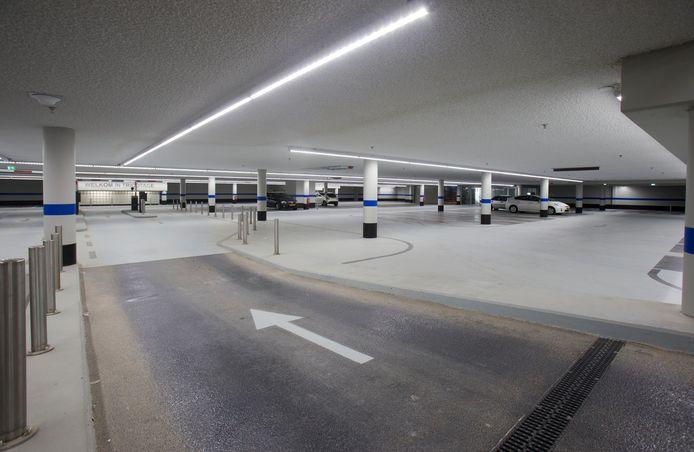 De parkeergarage Tricotage in Veenendaal, een van de drie gemeentelijke garages die zijn slagbomen gaat verliezen.