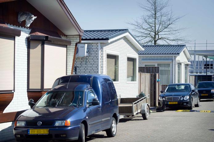 Het woonwagenkampje bij de milieustraat in Elst is verdwenen. Mogelijk komen er enkele wagens nabij het huidige volkstuintjescomplex.