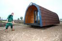 In november werden de eerste huisjes geplaatst voor het Vakantiepark Molenwaard op de voormalige camping De Put in Ottoland.