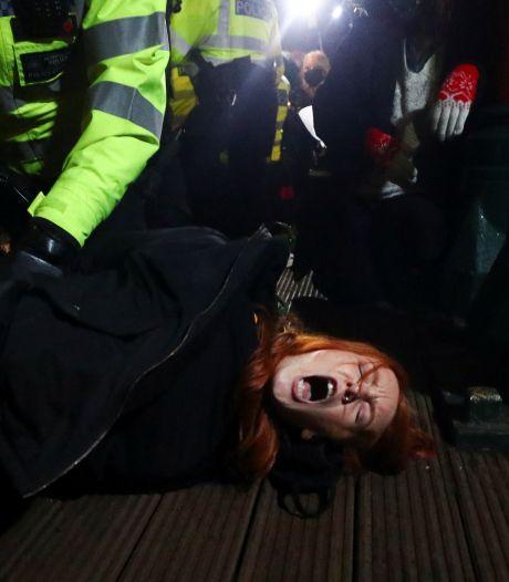 Woede over optreden Londense politie bij wake Sarah: 'Totaal onacceptabel'