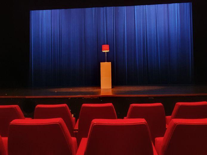 Zeelandtheaters ontstak vorig jaar maart na het uitbreken van de coronapandemie lichtjes van hoop. Nu, ruim een jaar later, zijn de theaters nog altijd gesloten.