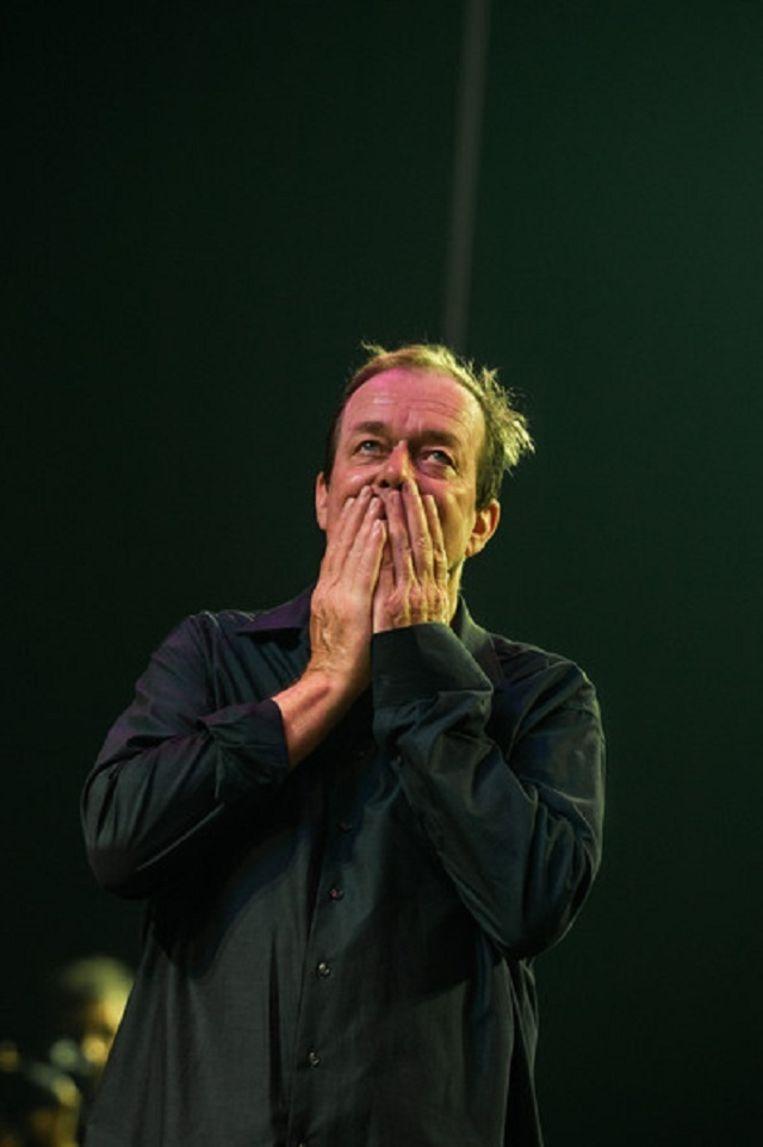 Thé Lau tijdens zijn afscheidsconcert in de Ancienne Belgique op 21 juni 2014. Beeld BELGA