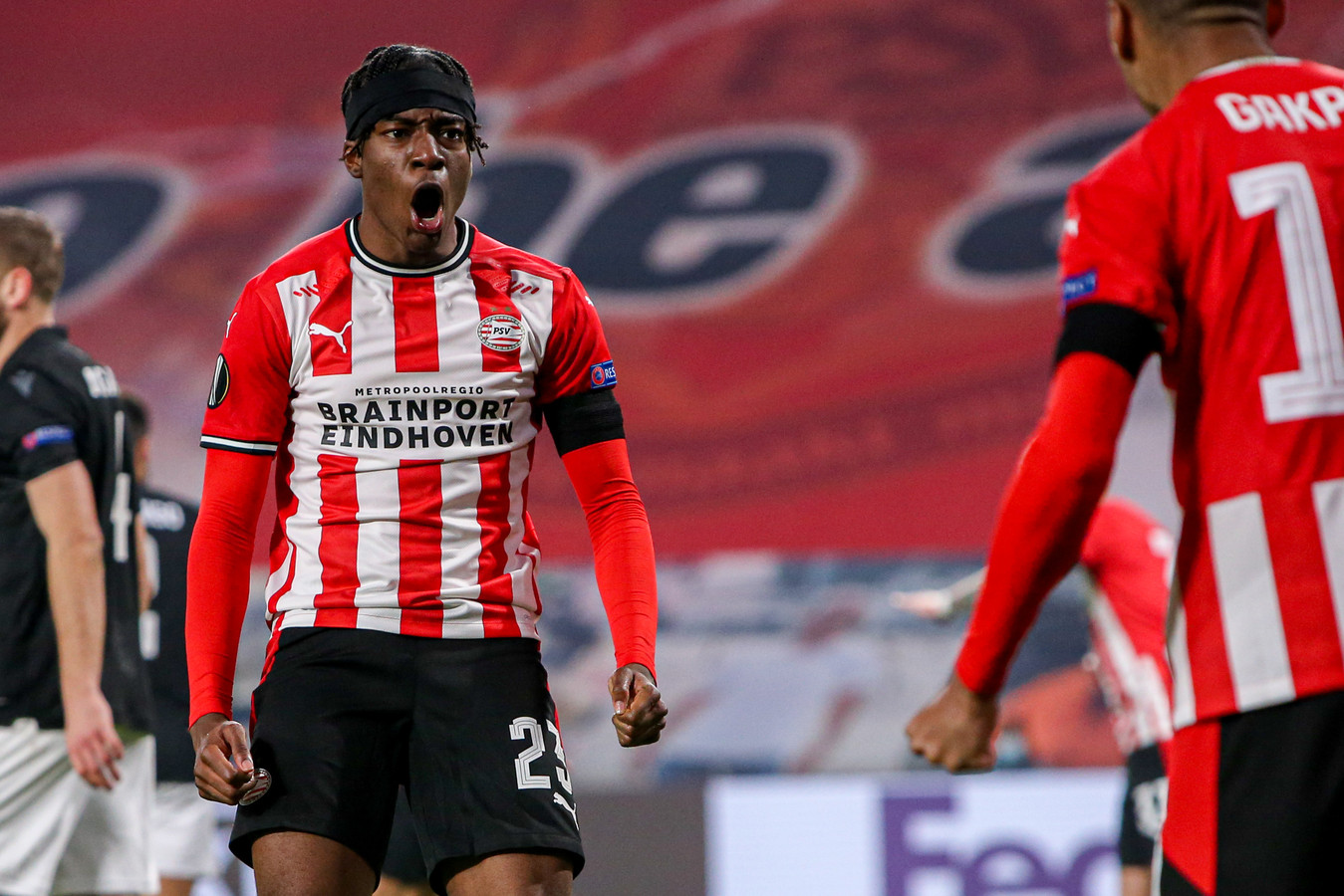 Noni Madueke was goed voor een goal en een assist tegen PAOK.