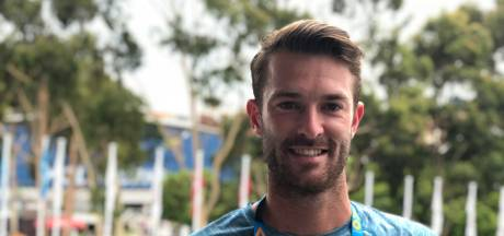 Tenniscoach Stijn de Gier uit Den Bosch stunt op Australian Open: 'Bizarre manier om te beginnen'