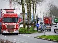 Veel ergernis over vrachtwagens die omleiding over snelweg negeren: 'Het is net of ik langs de A16 woon'