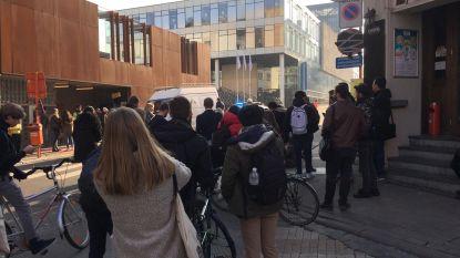 """VIDEO: """"Verdacht signaal"""" in UFO in Gentse studentenbuurt: politie voert sweeping uit, perimeter al tweemaal vergroot"""