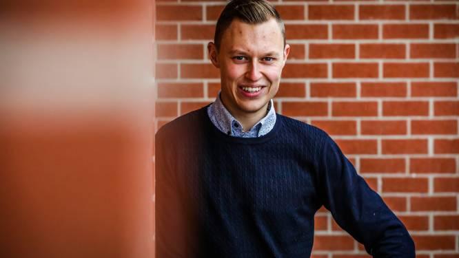 """Laurens Vandewalle (26) is jongste gemeenteraadslid van Kortemark: """"Het is mijn kinderdroom ooit de sjerp te mogen dragen"""""""