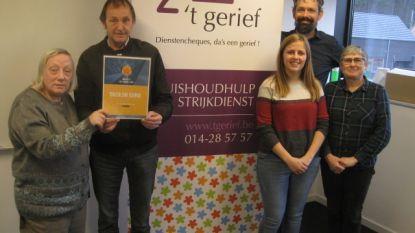 't Gerief schenkt bijna 6.000 euro aan vzw De Fakkel