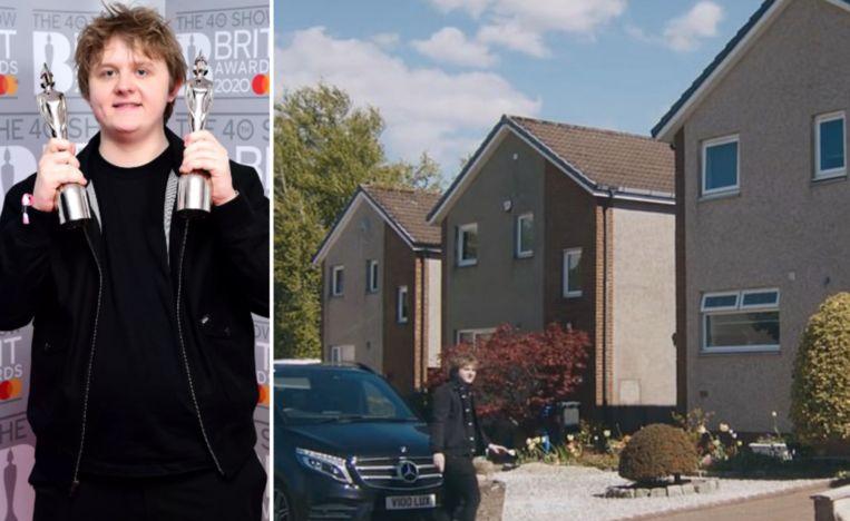Lewis Capaldi woont nog in zijn ouderlijk huis.