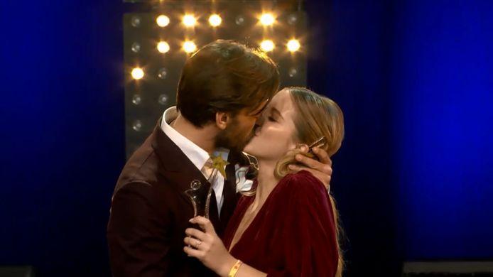 De eerste publieke kus van Vincent Banic en Bab Buelens