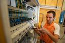 Jasper Olthuis: ,,De schakelingen moet je allemaal testen, volgens de elektrotechnische normen.''