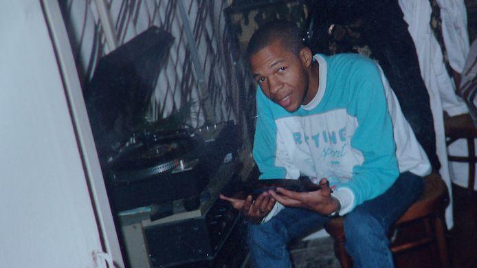 De in  2002 verdwenen Amsterdamse drugscrimineel Patrick van Dillenburg zou door Helmonder Ad K. zijn vermoord