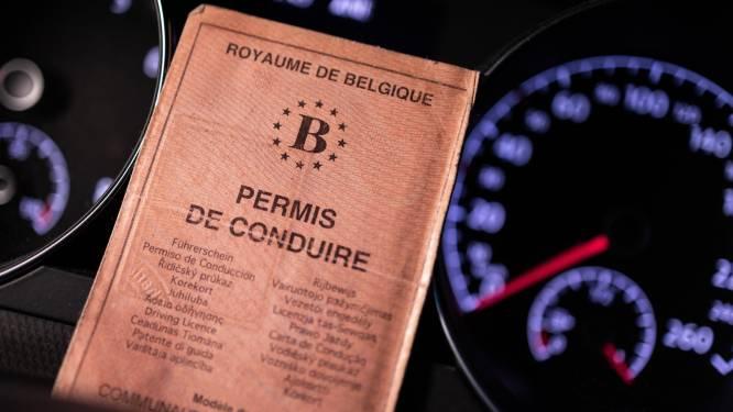 Man gaat ingetrokken rijbewijs halen en... blijkt opnieuw dronken