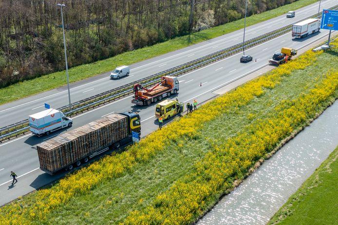 Het ongeluk op de A73 leidde tot een file.