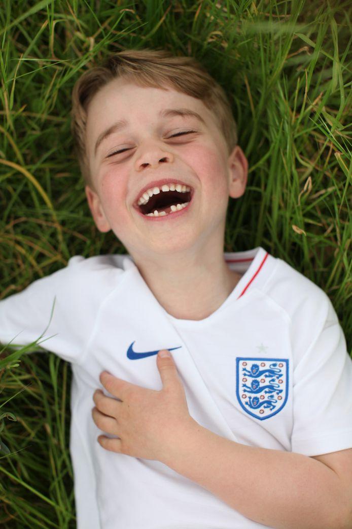 De foto voor zijn zesde verjaardag, gemaakt door zijn moeder.