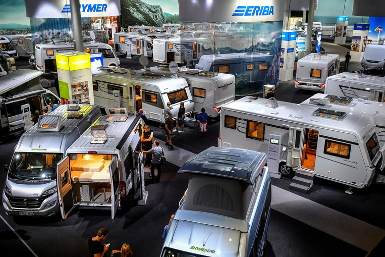 Caravans op een beurs in Düsseldorf.  Beeld EPA