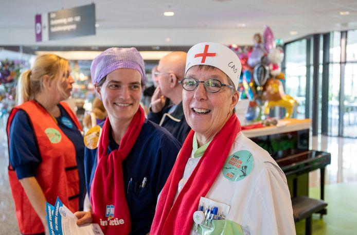 Verpleegkundigen van Ziekenhuis Gelderse Vallei in Ede doen mee aan de landelijke zorgstaking voor een betere CAO.