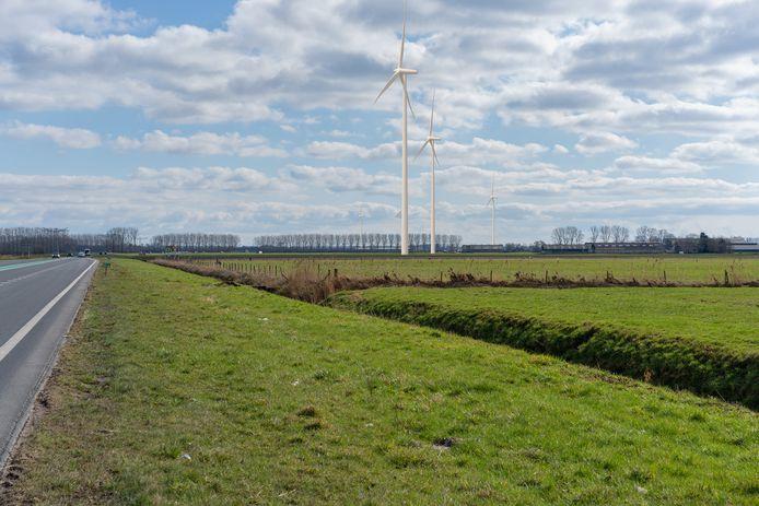Visualisatie van Windpark Beuningen vanaf de Maas en Waalweg. De afgebeelde tiphoogte is 245 meter, in werkelijkheid wordt die tussen de 210 en 240 meter.