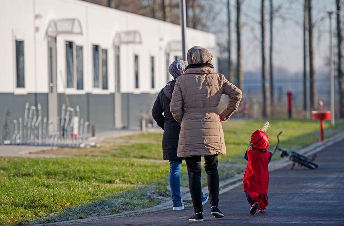 In het asielzoekerscentrum in de Beverwaard in Rotterdam wonen nu ruim 500 vluchtelingen.