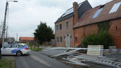 """Twee gewonden bij instorting van stelling dakwerkers: """"Net op het drukste moment van het jaar"""""""