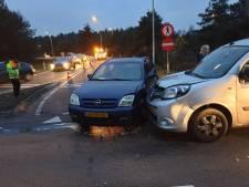 Twee voertuigen botsen in Leusden