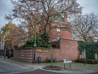 """Gemeente zoekt private partner voor Huis Hellemans: """"Horecaconcept moet passen binnen kunstsfeer"""""""