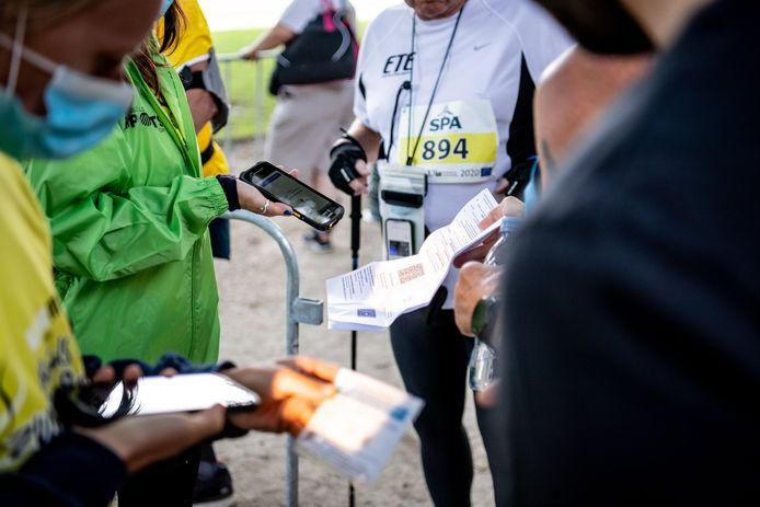Op de 20 kilometer van Brussel werd het Covid Safe Ticket al gevraagd aan de deelnemers.
