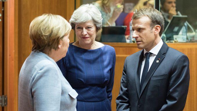 May smeekt Europese ambtsgenoten om hulp tijdens Brussels diner