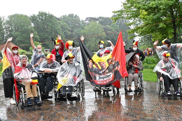 In Marienstede was het enthousiasme ook enorm ondanks de miserabele weersomstandigheden.