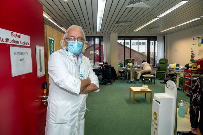 Professor Marc Noppen, CEO van het UZ Brussel.