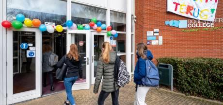 Eindelijk weer naar school in Doorwerth; 600 leerlingen per dag welkom op Dorenweerd College