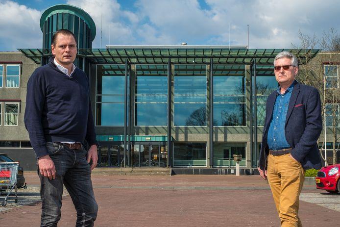 Coert Kelkes (l) en Arno Garssen plaatsen grote vraagtekens bij de aanpak van de gemeente Epe.