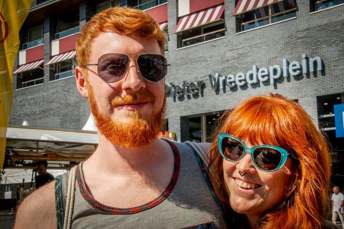 Een roodharig koppel tijdens de eerste Tilburgse editie van de RedHead Days.