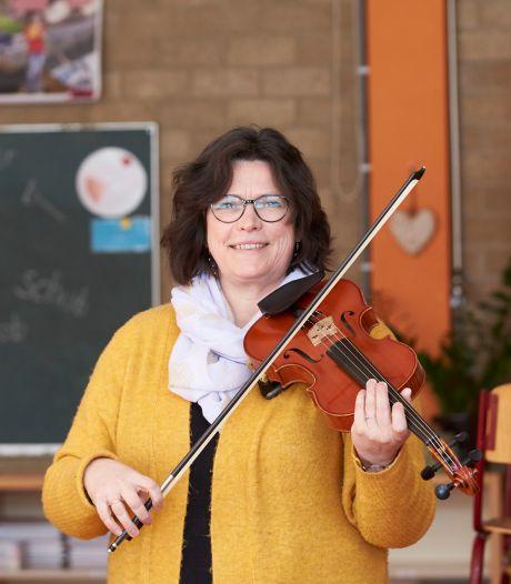 Professioneel violiste Symone Boerstoel werd lerares: 'Dankzij corona combineer ik nu twee grote passies'