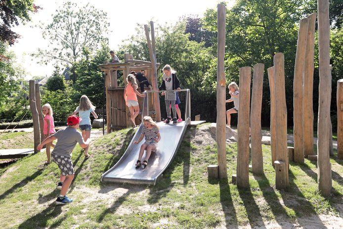 Kopieer de sterke onderdelen van andere natuurspeeltuinen, zoals deze in Oostvoorne, adviseerde de ChristenUnie/SGP de wethouder.